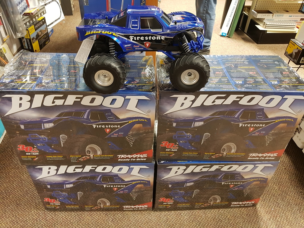 R/C TRUCKS , CRAWLERS AND CARS - Express Hobbies Inc